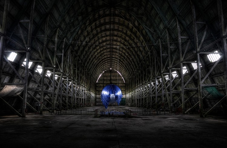 http://www.pixelvalley.com/forum/img/users/26087_web-20110911-Ecausseville-Hangar-HDR-36-retouch.jpg